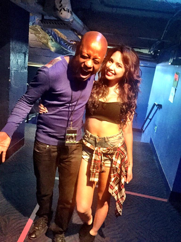 Such a great show @JASMINEVILLEGAS ... Thinking about hopping on a flight to Boston for your show tmrw! #JasmineV http://t.co/LySN7njWJc