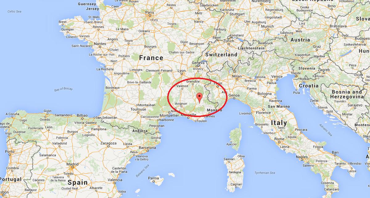 Se estrella en los Alpes un avión que cubría la ruta Barcelona-Düsseldorf CA20q7BWQAASmcx