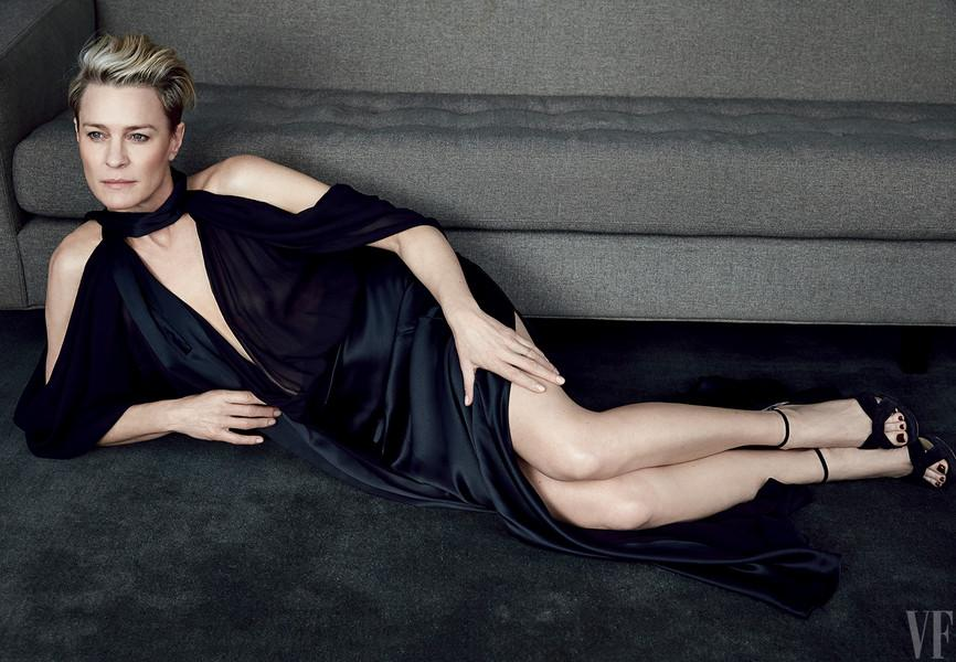 The Service Lab On Twitter Hot Vanityfair Robin Wright On Her Role As Claire Underwood And Her Marriage To Sean Penn Http T Co Fuifezqoxq Http T Co Focxhxqx3e