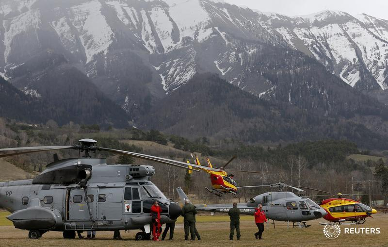 Pics coming in of rescue operation near site of #Germanwings crash on the @Reuters live blog: http://t.co/thigGzxFUX http://t.co/bVacjfrYiA