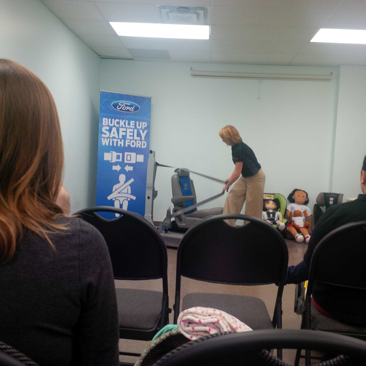 Some great tips for car seat safety and sobering info at #FordSeatSafety event. http://t.co/QOIWosekA1