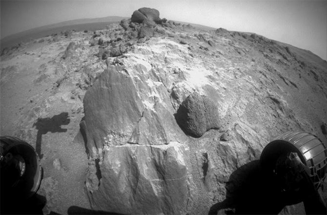 AWESOME news from Mars: Opportunity (@MarsRovers) has regained use of its flash memory! http://t.co/SQjwz8SY8R http://t.co/Q3kXjI0lV1