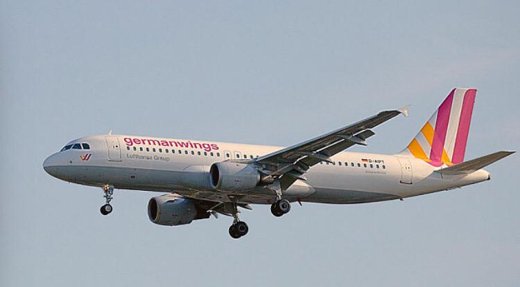 Such a sad day for family's who lost their loved ones on flight #Germanwings A320 my prayers are with with you!RIP