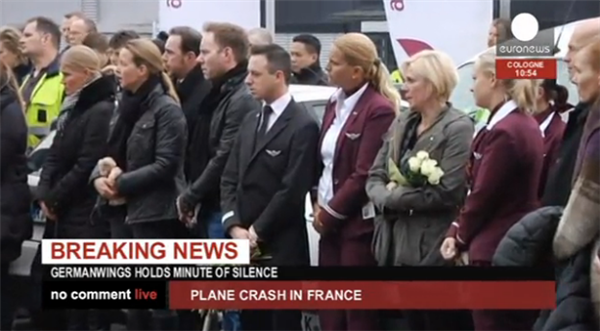 [Happening Now] #Germanwings holds minute of silence in Cologne.  http://t.co/CAlD248dgt http://t.co/4SkGeD7hLk
