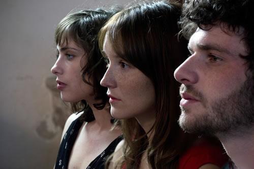 """RT @Citazine """"A trois on y va"""" et son joli triangle amoureux est la bonne surprise de cette semaine au #cinema. Rafraichissant !"""