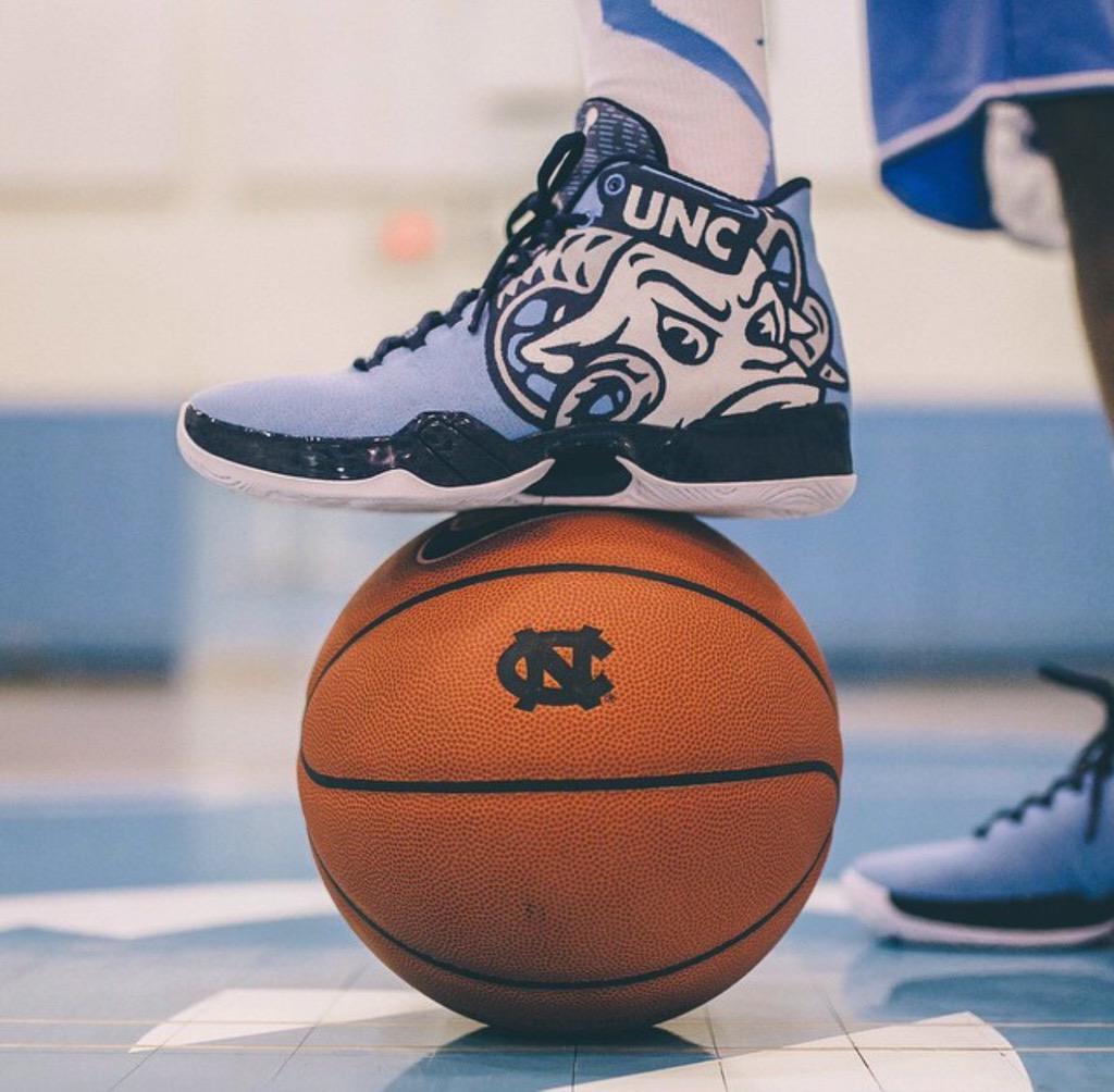 8ad57b68946f Jumpman23 just shared this  UNC Basketball Air Jordan XX9. Is it the best