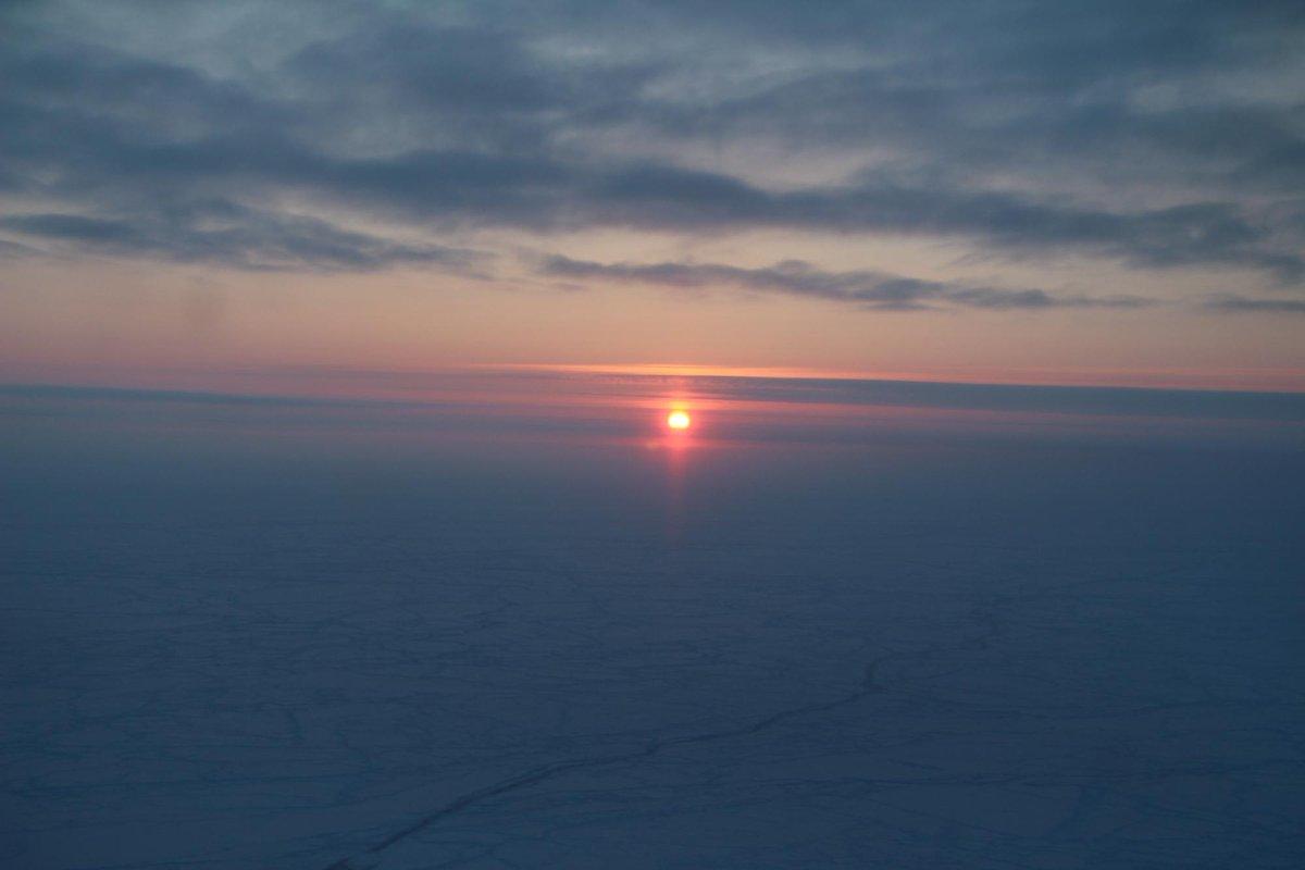 Enjoy this photo of the extended sunrise near the North Pole, courtesy of today's #IceBridge flight.