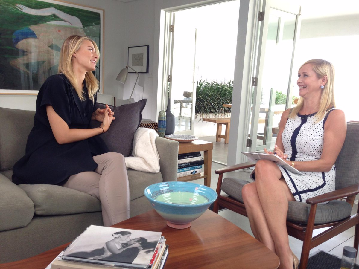 Tune in to CNBC 11pm CET tonight as @TaniaBryer meets @MariaSharapova - inspiring story of a real champion #CNBCMeets