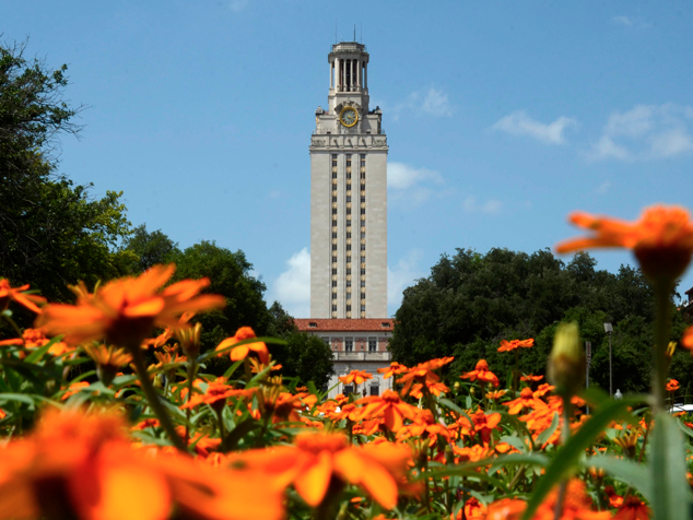 "#8 BEST urban campus in US! @UTAustin w/ ""beautiful libraries"" ""notorious music & arts scene"" http://t.co/qAl2y9A7Ej http://t.co/RnioefT7JI"