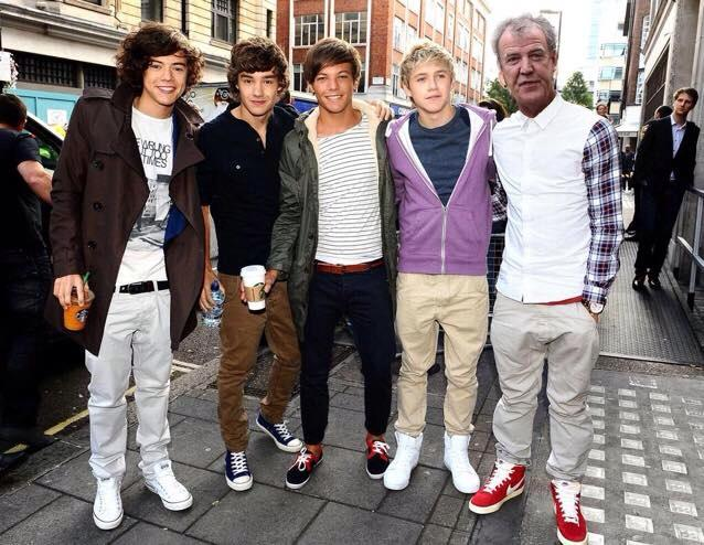 New One Direction lineup revealed. http://t.co/pTDINw8rNv