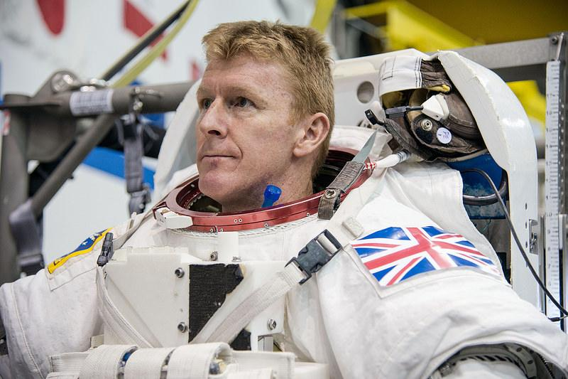 Calling all schools! @astro_timpeake wants your help for his mission to space. #Principia http://t.co/KHow5tia3Q http://t.co/Jii113hwxM
