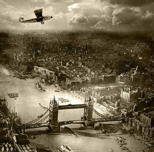 Londra dall'alto negli anni '20  http://t.co/fB1aYyHGbL