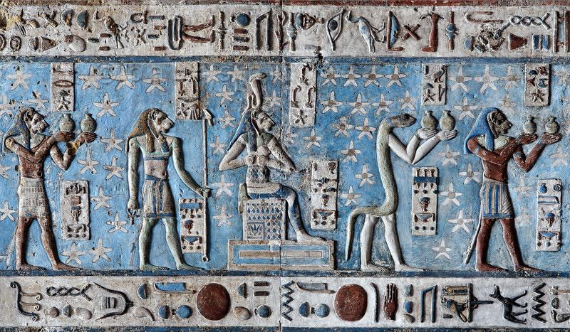 """Scenes from on the ceiling at the temple of Hathor at Denderah: RT""""@AzulEgipcio: Templo de Dendera. http://t.co/wXe3yk2SAX"""""""