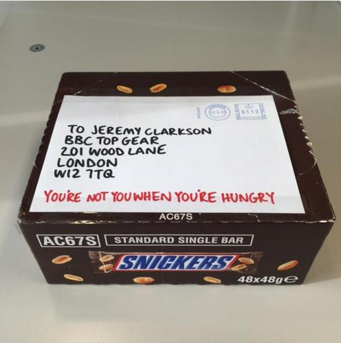 . @SnickersUK sends free bars to @JeremyClarkson because 'You're not you when you're hungry' http://t.co/8nGIxDXAJf http://t.co/XcpOKTa5ym