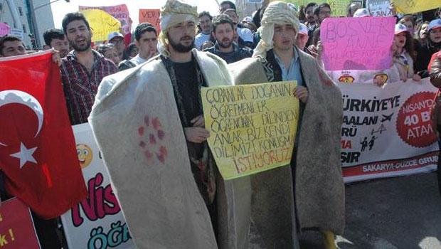 Atanamayan öğretmenler, sokakta ders yaptı - Hürriyet Eğitim http://t.co/KweY953c7X @nurancakmakci http://t.co/RnjTMiTqA6
