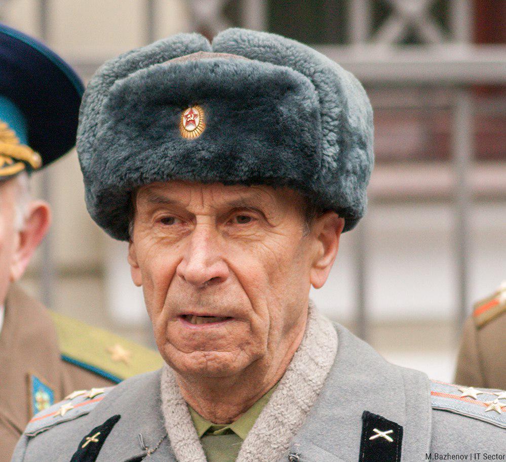 Террористы угрожают наступлением на позиции украинских воинов с целью посеять панику среди населения, - спикер АТО - Цензор.НЕТ 7695
