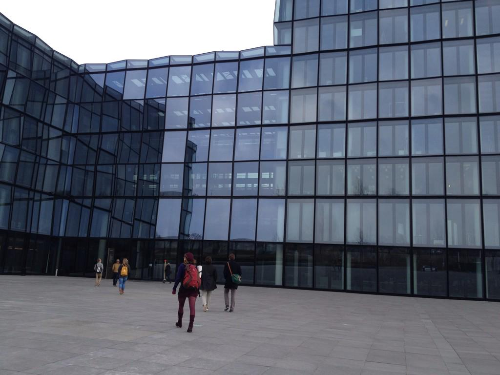 Wir sind heute übrigens bei der @SZ in München, gleich geht's los: #24hZukunft DJV-Tagung für junge Journalisten http://t.co/BIKO6HcZSV