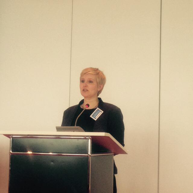 .@KathrinKonyen (DJV-BV) begrüßt die Teilnehmer_innen bei der Fachtagung #24hZukunft http://t.co/YbTZ4XGTYy