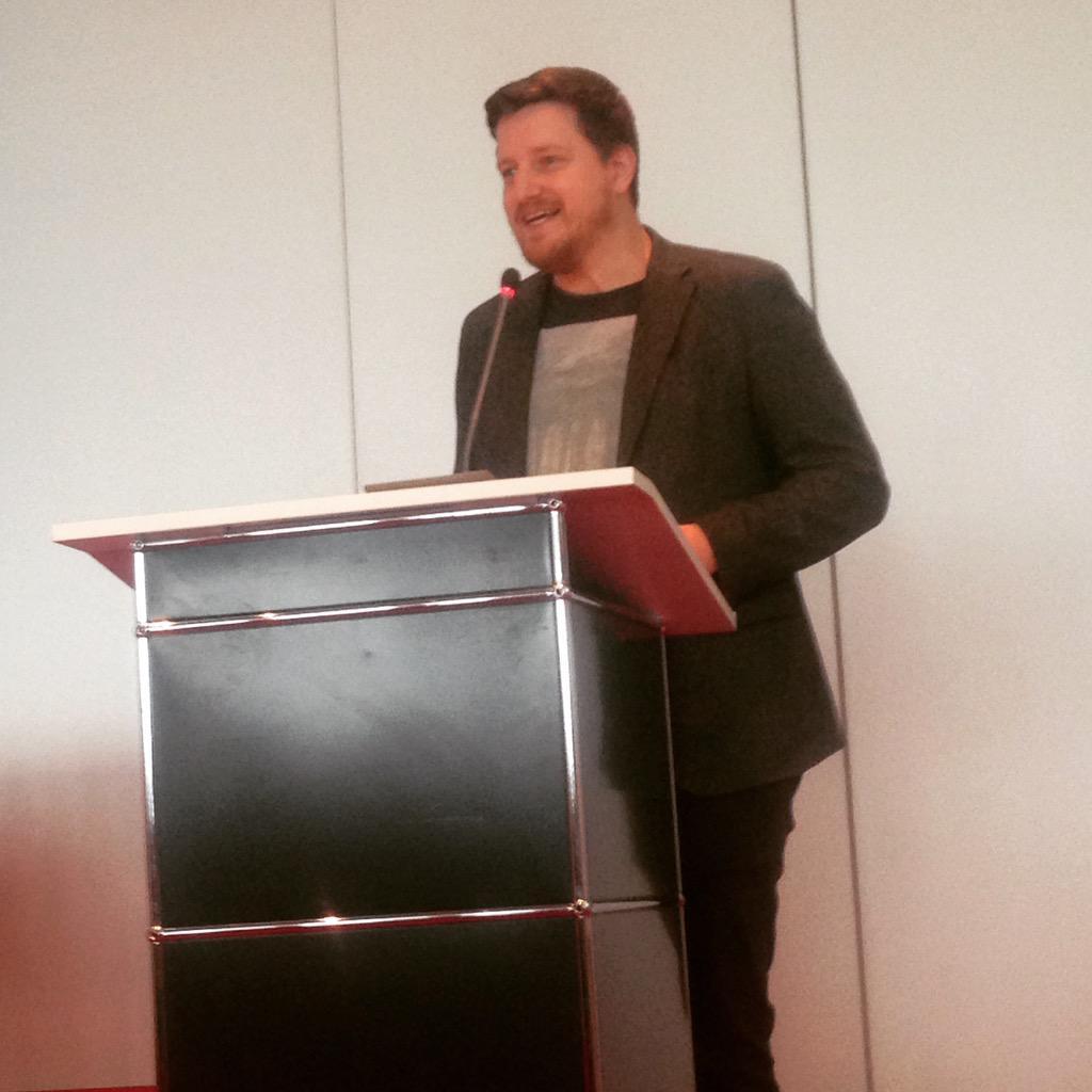 """Wenn nicht jetzt, wann dann?"" Keynote @ploechinger bei #24hZukunft http://t.co/4iR50Hg9mq"