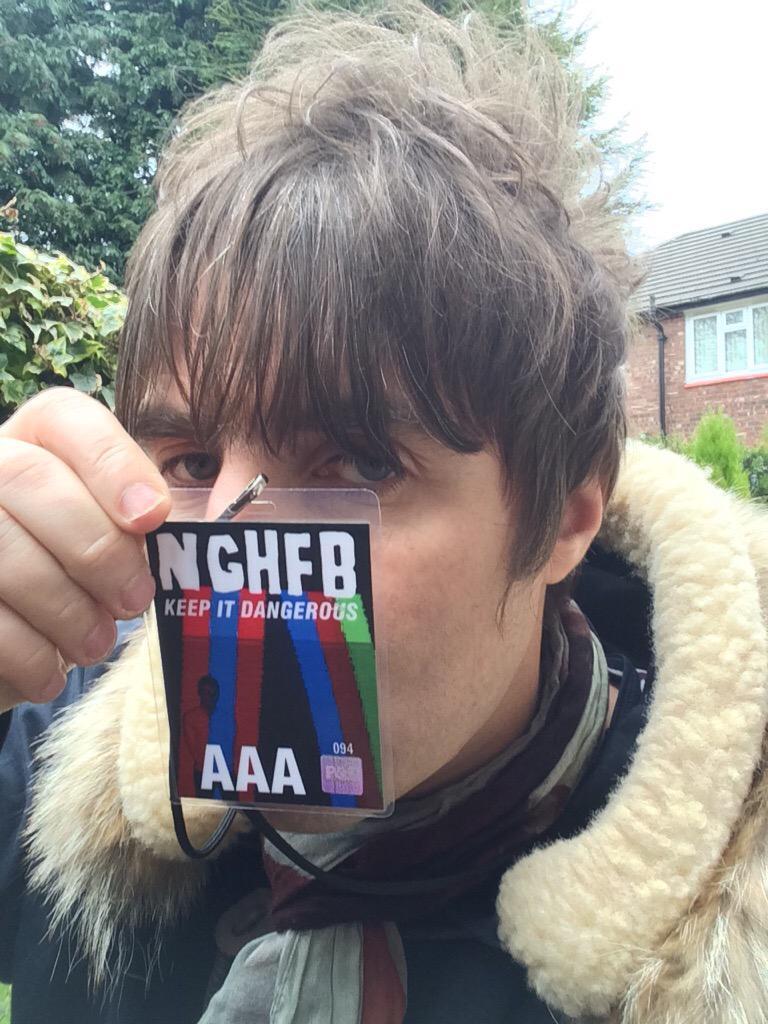 Liam Gallagherが兄Noelのコンサートを観賞 http://t.co/zGvnGk0mDj http://t.co/8UZwnilxEZ