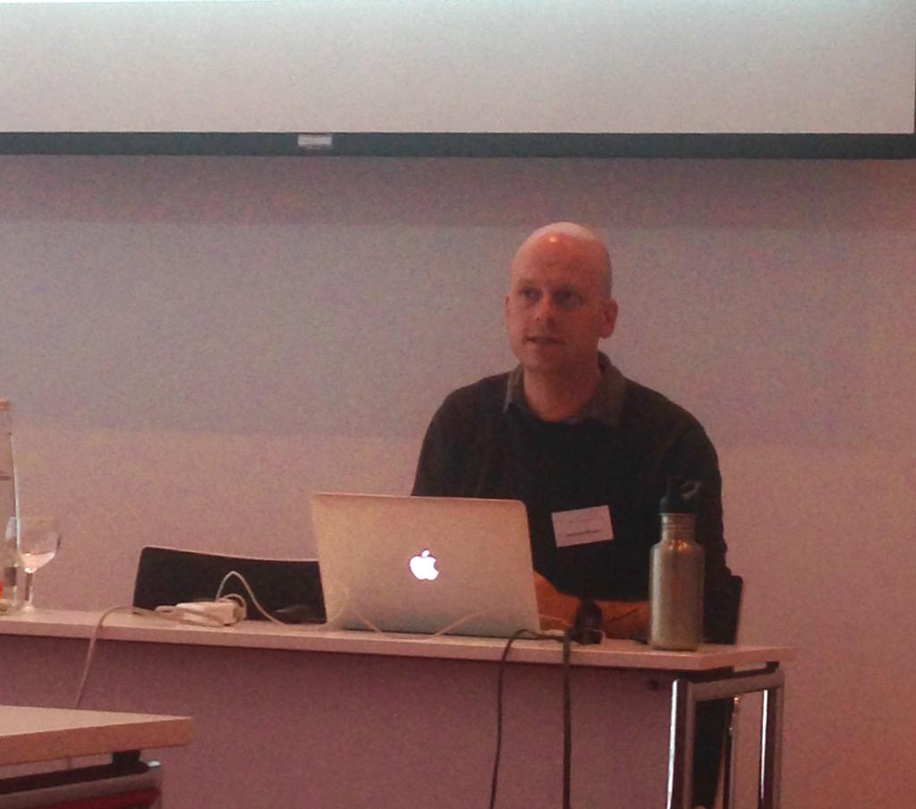 Spannender Workshop von @nickdigital zu #Google-Data, #YouTube-News, #Mapping & Co. #24hZukunft http://t.co/xayhyedpZo