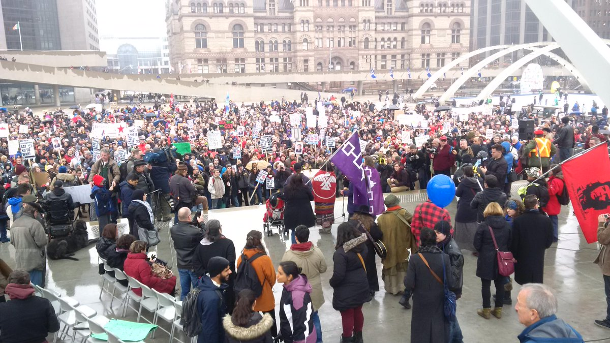 Standing w/ thousands of ppl in #Toronto to oppose Bill #C51. Take actions online http://t.co/ZXNjZUjOFf http://t.co/B5eFH5TgY0
