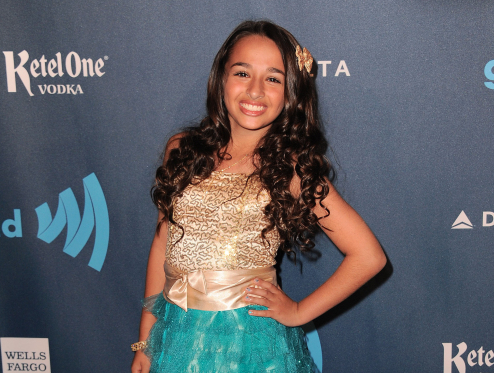 Transgender teen Jazz Jennings becomes the new face of Clean & Clear: http://t.co/tADF4ftezI http://t.co/58kqJeOCy5