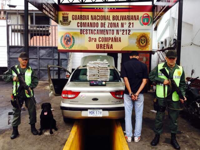 problema migratorio en Venezuela - Página 5 CAJ1_KVW8AIBfr7
