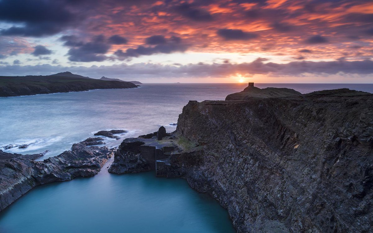 Sunset two nights ago from above the Blue Lagoon on the St. David's Peninsula, West Wales http://t.co/tW1wk26IGP