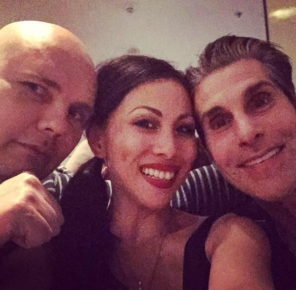 Family dinner last night @lollapaloozacl. @perryfarrell @Billy @tommylipnick http://t.co/tuB49mEBug