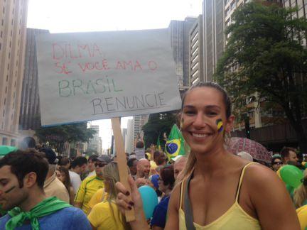 AO VIVO | 'Aí entra o Aécio, né?', questiona Karin Salden sobre o pedido de impeachment http://t.co/tGpAinBRsz