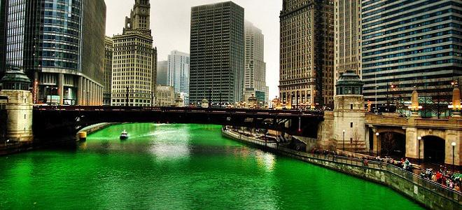 Green!! #StPatricksDay Parade + River Pics via @ChooseChicago http://t.co/4DQc7zl5BJ #Chicago http://t.co/iClKlbKo3P