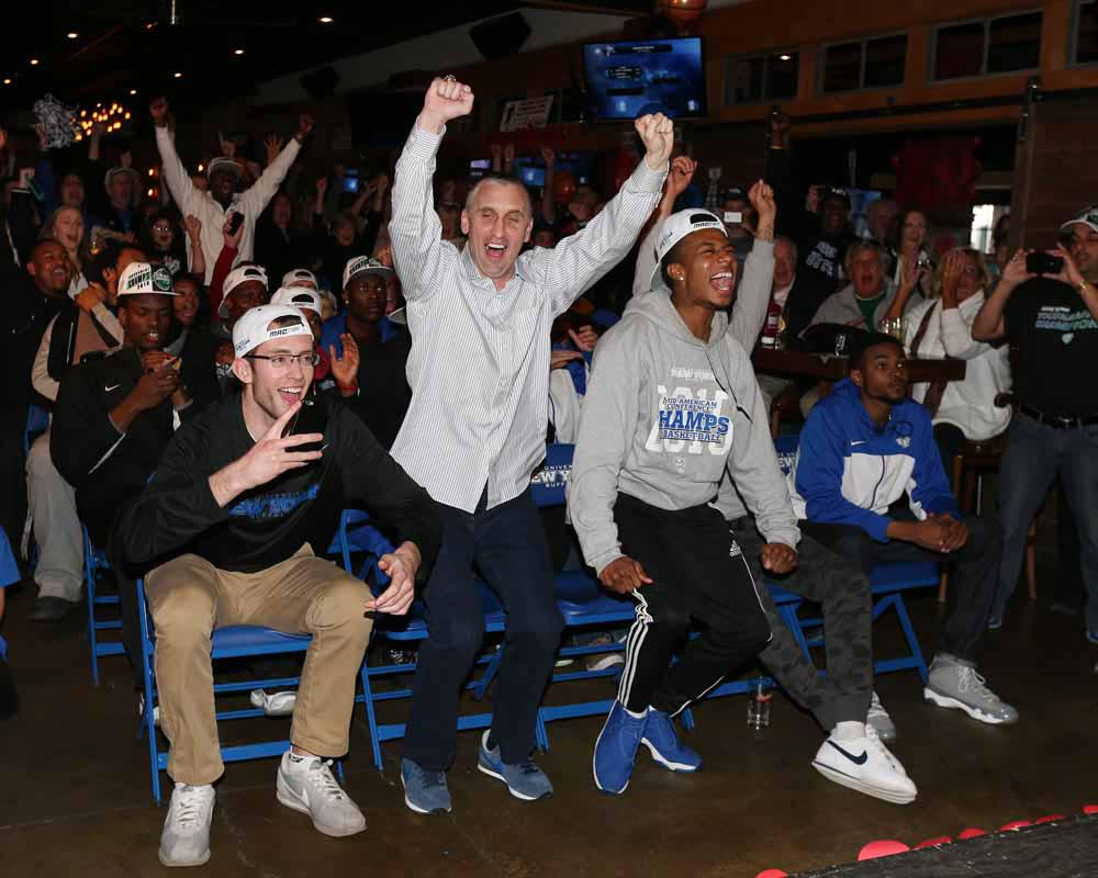 MT @jmccoyphoto: Buffalo Bulls head coach Bobby Hurley and his team react to their NCAA seating http://t.co/N5QRoHq6Fx #UBBulls