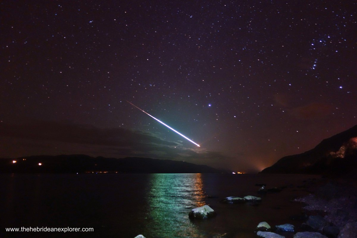 One of the best meteor images I have ever seen! From tonight over Loch Ness Scotland http://t.co/qUJbMVdISq by @hebexplorer BRILLIANT!