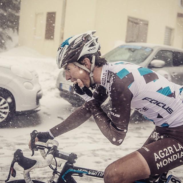 .@alexis39200 trying to warm his frozen hands up... @AG2RLAMONDIALEc @sramracing @zippspeed @quarq #TirrenoAdriatic… http://t.co/d7Ks69rjF6