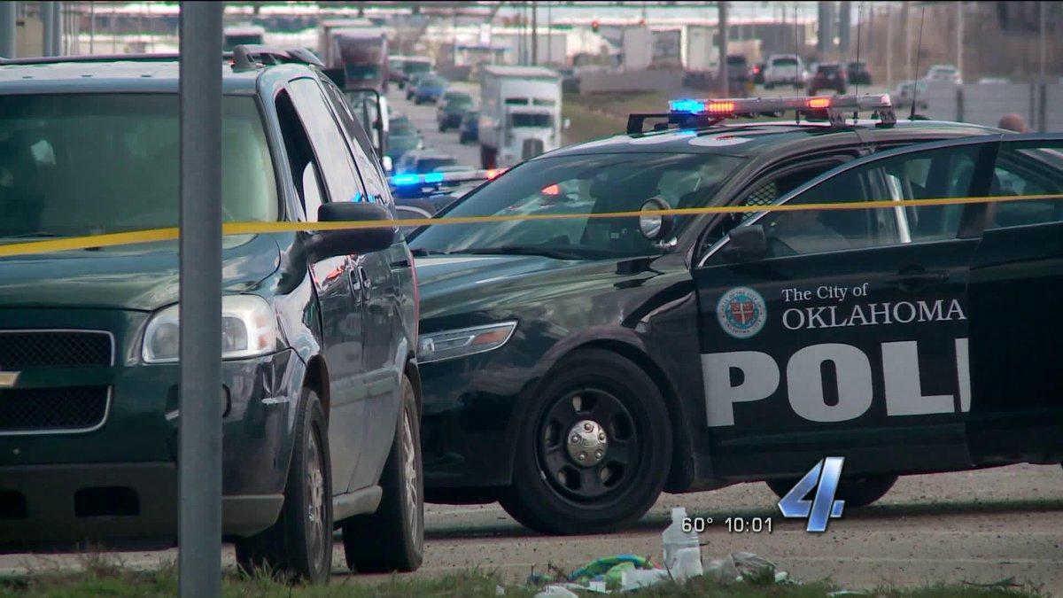 Dallas Jct: Police: Man jumps off bridge on I-35 near Dallas Jct