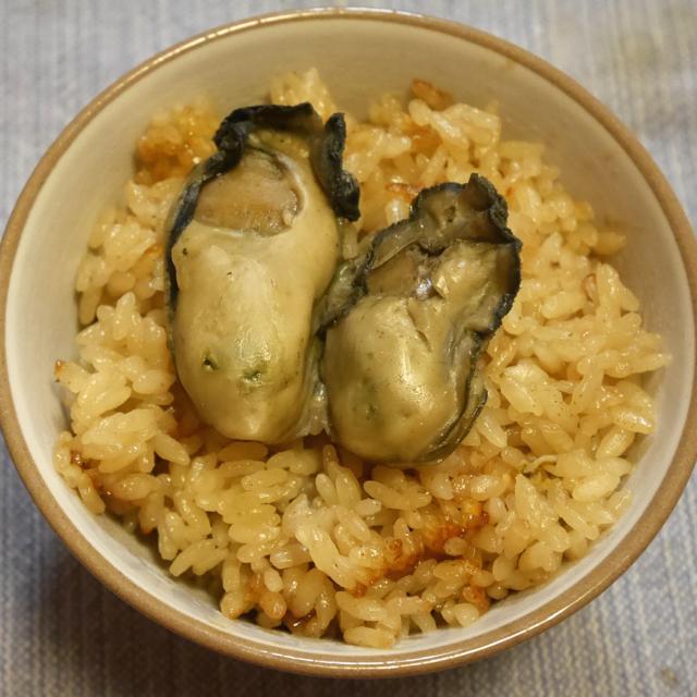 斉吉商店さんの牡蠣のしぐれ煮でかきめしを作りました。作り方を聞いた時から絶対美味しいって思ってたけど、やっぱり思った以上に美味しかったです。 http://t.co/wu1vCcvsrt http://t.co/hO2rX0zG86
