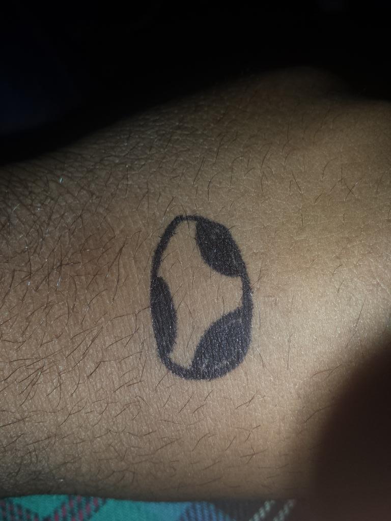 My new tat. #HardShelled #ThugLife #DeepMeaning #ItsPermanant #YEEOOOSHI<br>http://pic.twitter.com/ziUfIcaXh1