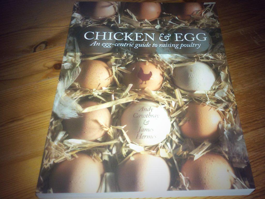 Arrived in the post today m' new book :-) #chickens #chickenhour . Well chuffed. http://t.co/5CgbmposT5
