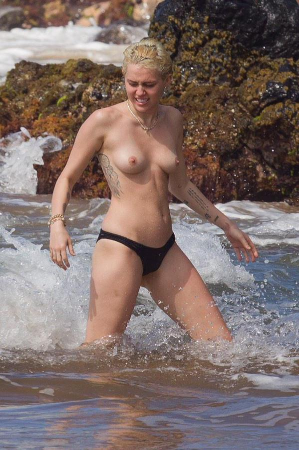 Miley Cyrus  British porn site  Free live cams   – Naked Celeb