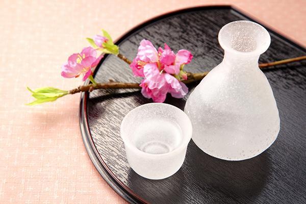 新酒シーズン到来、日本酒を飲もう (1/3) キレイコラム [キレイスタイル] - 古屋 江美子 - http://t.co/R3hqjcpWbt http://t.co/3PXs8SZ3CF