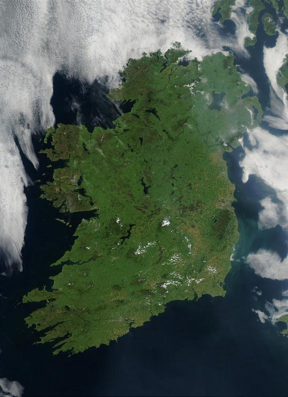 NASA Shows Ireland From Space for St. Patrick's Day http://t.co/16nBb96SXw http://t.co/jGz0rlFUHH