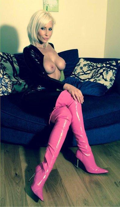 #jenniferjade #pink #thighmaster #ThighHighs #latex #GoodMorning ? http://t.co/qj7hh6PxX8