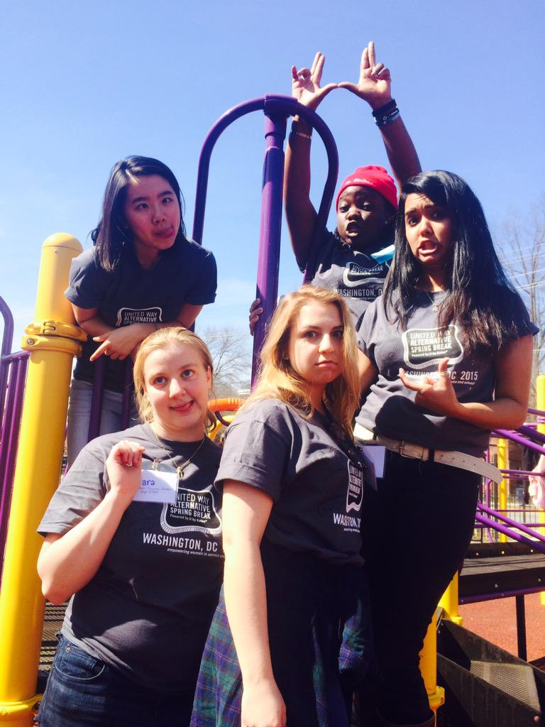 PHOTOSHOOT at the boys and girls club playground in D.C. #PoweredByU http://t.co/bZQp2bCLpm
