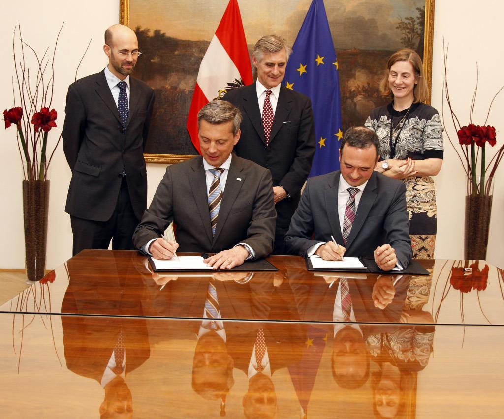 Ö unterstützt Stärkung v Rechtsstaatlichkeit in Partnerländern: Abkommen zw. #ADA & #IACA @entwicklungat http://t.co/5wgnQq9M7g