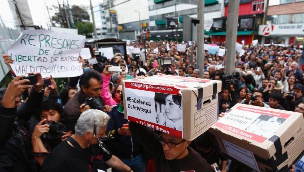 La manifestazione in Messico a sostegno di Carmen Aristegui