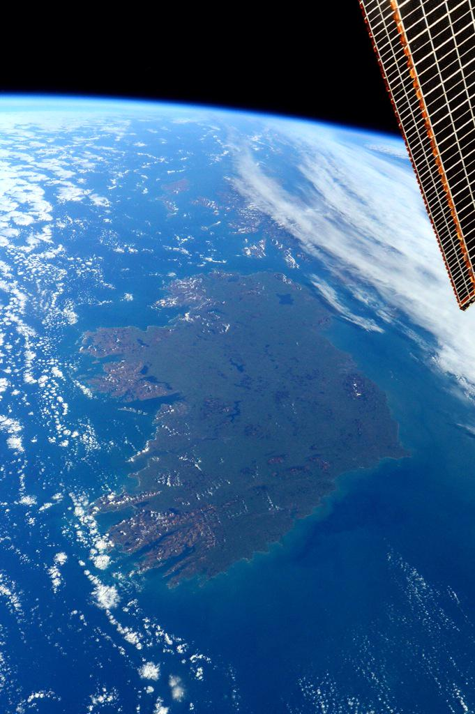 "#HappyStPatrickDay with best wishes from the #E43 crew! From space you can see the ""Emerald Isle"" is very green!"