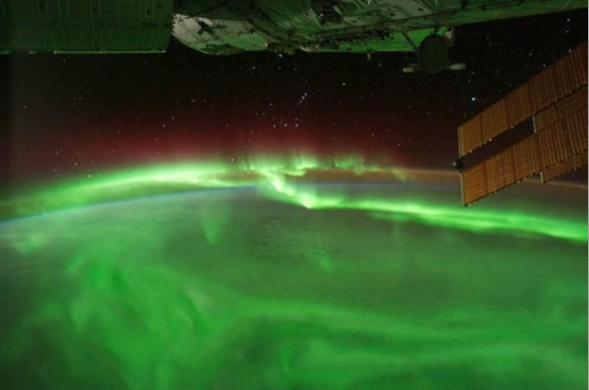 Happy Saint Patrick's Day! Green from space. We have @Space_Station aurora views: [video] https://t.co/UG1x2YutsO http://t.co/FBpXJ5OIhd