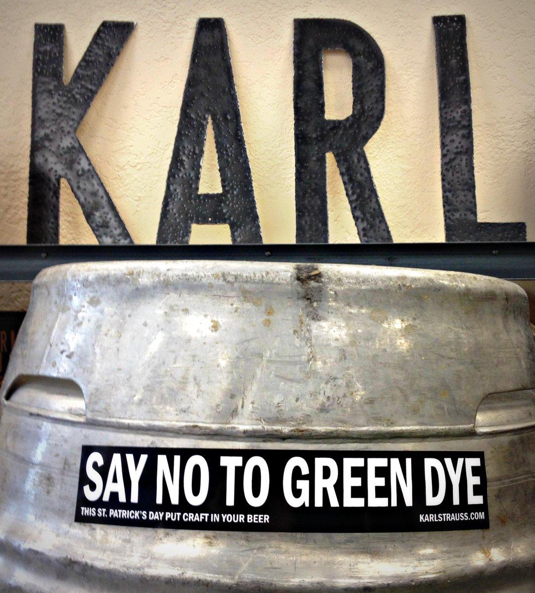 Friends don't let friends drink green beer. #JustSayNo http://t.co/F76bjMpybT