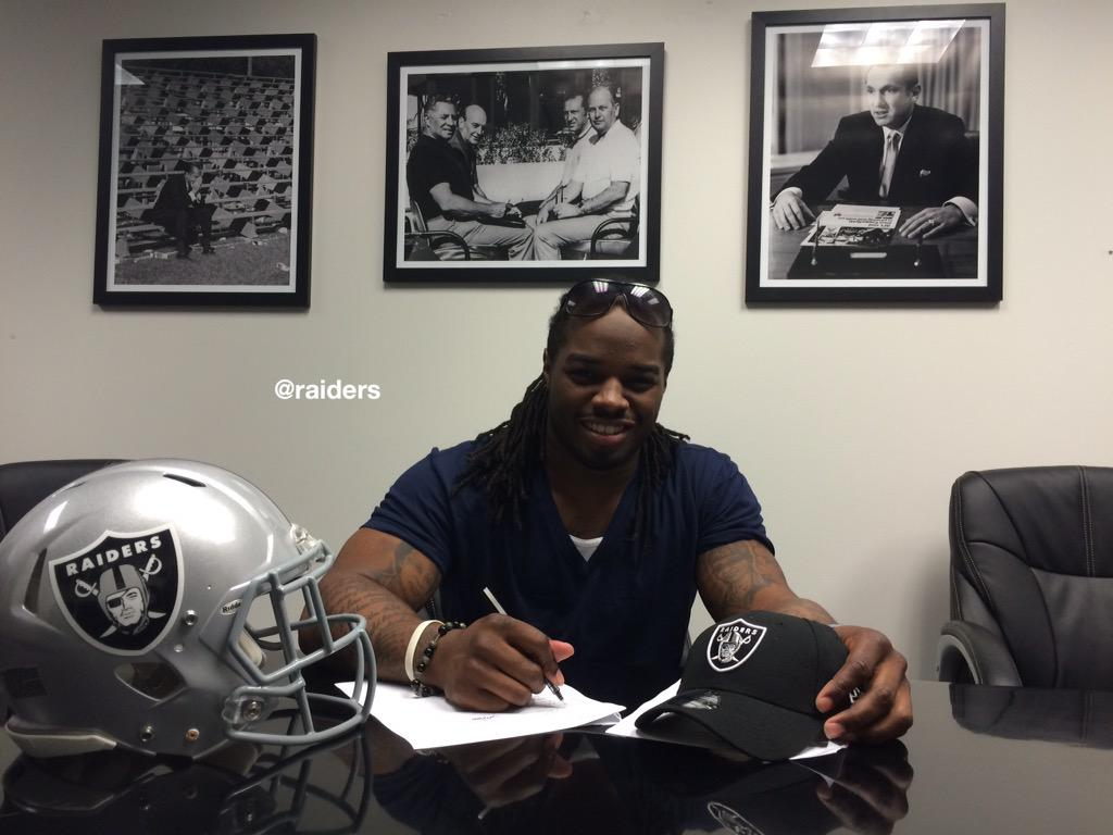 Raiders sign Trent Richardson